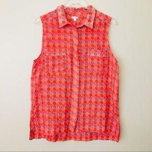 GAP Retro Print Red Hexagon Shirt
